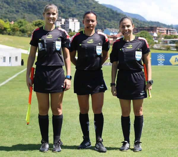 Neuza Inês Back, Edina Batista e Tatiane Sacilotti. Foto: Kin Saito / CBF