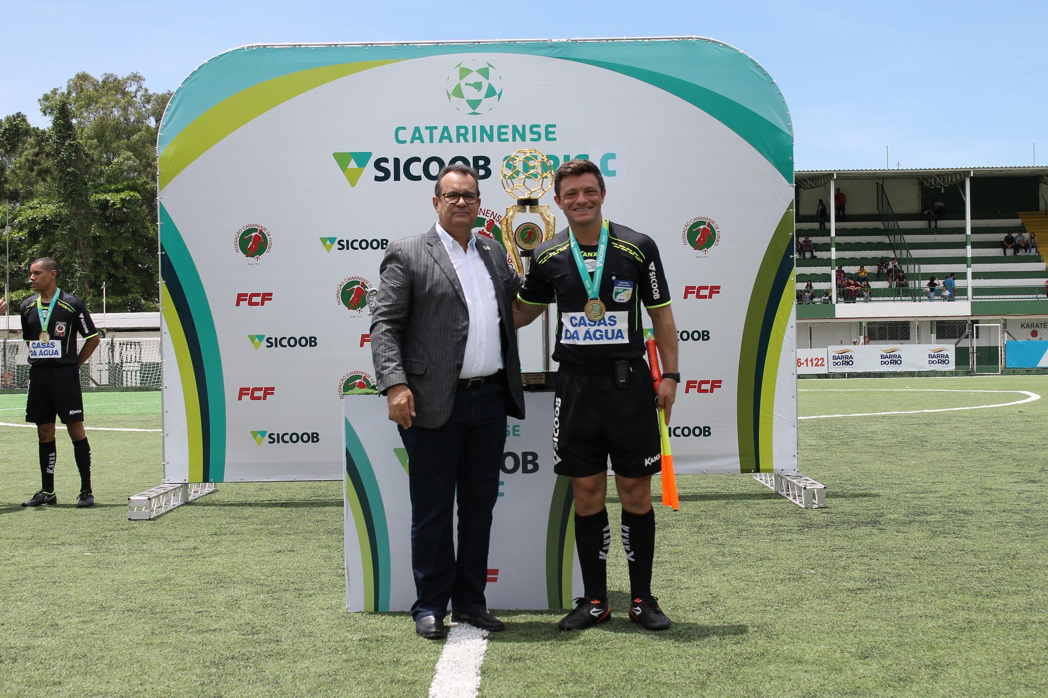 Rubens Angelotti (Presidente da FCF) e Eli Alves Foto: Marcelo Negreiros/FCF